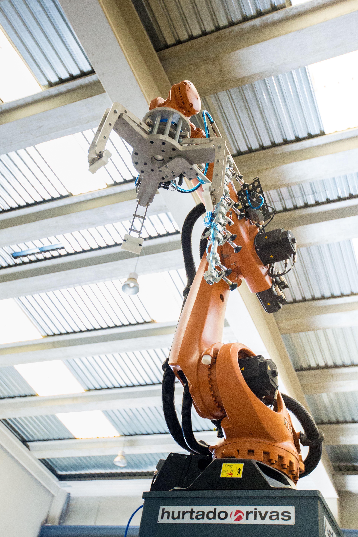La empresa familiar que cambió los carros por robots para evitar el cierre